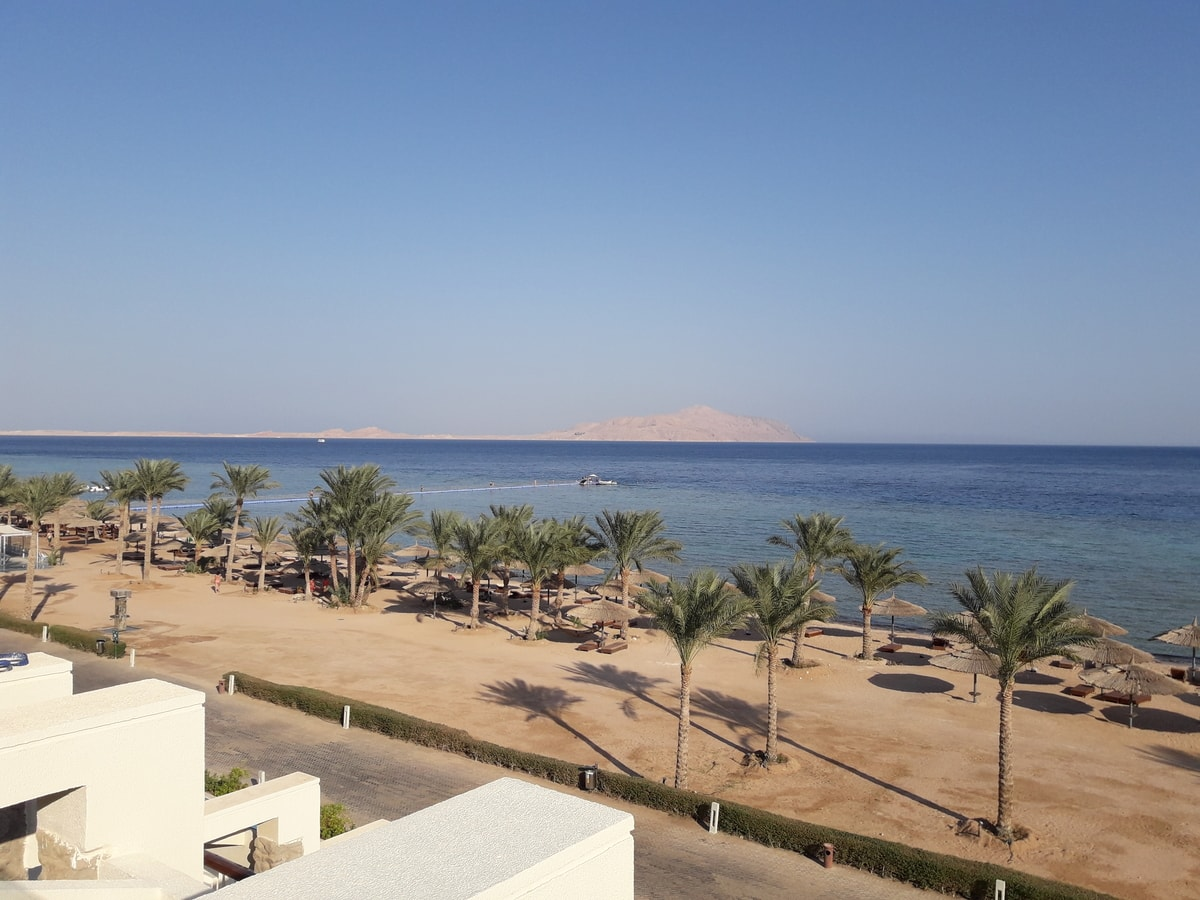 Вид на море у отеля Sensatori Sharm