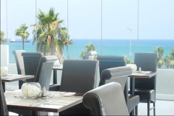 терраса для завтраков отеля Achilleos City