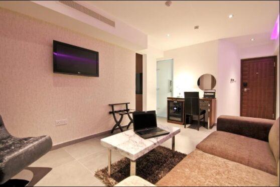гостиная номера grand superior отеля Achilleos City