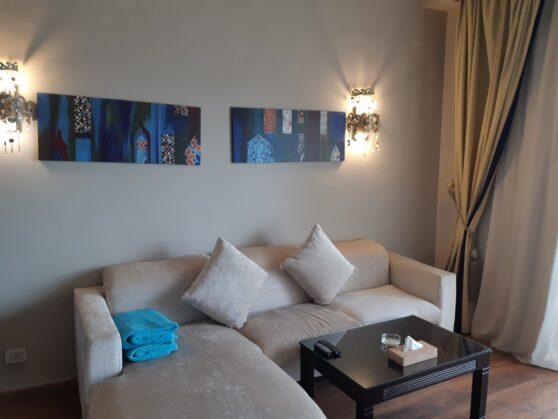 Гостиная номера executive suite в отеле Sunrise Arabian Beach