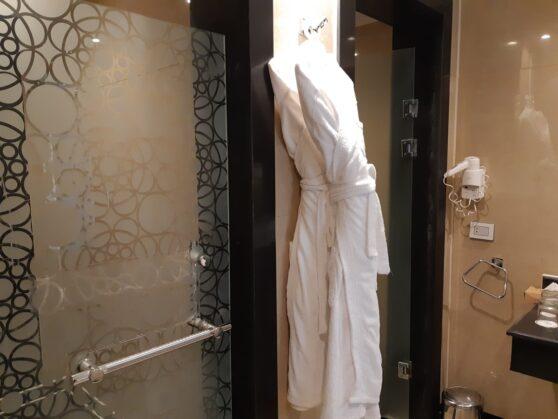 Ванная комната номера executive suite в отеле Sunrise Arabian Beach