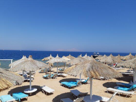 Пляж отеля Sunrise Arabian Beach Resort