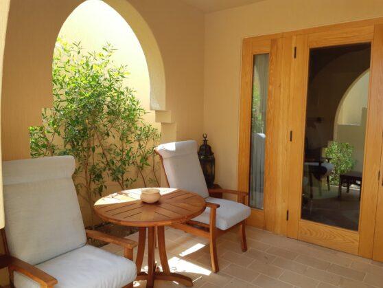 Терраса номера superior в отеле Four Seasons Resort Sharm